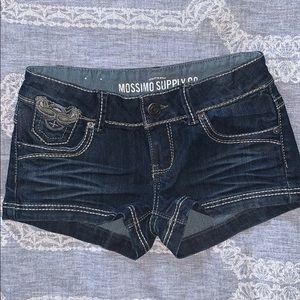 Denim shorts / jean shorts